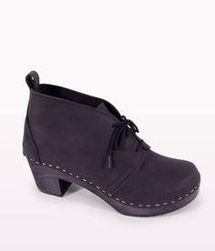 Chukka black clog boot for women 1