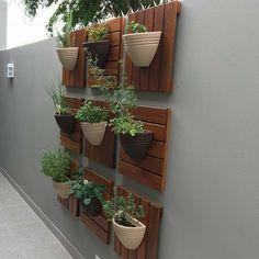 Vertical Garden Design on Balcony Wall - Unique Balcony & Garden Decoration and Easy DIY Ideas House Plants Decor, Home Garden Plants, Balcony Garden, Plant Decor, Garden Floor, Garden Hoe, Garden Compost, Patio Plants, Garden Planters