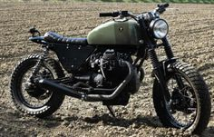 Old Italian police Moto Guzzi V2 750cc converted into a blazing Scrambler! (Vernier Customs)