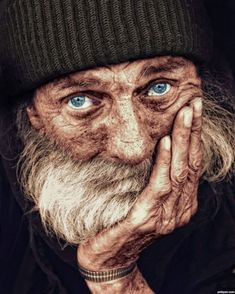 viejo Beautiful Eyes, Beautiful People, Amazing Eyes, Photoshop Pics, Old Faces, Homeless Man, Homeless People, Too Faced, Interesting Faces