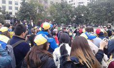 #30M Venezolanos desde Santiago de Chile también manifiestan su apoyo  #360UCV