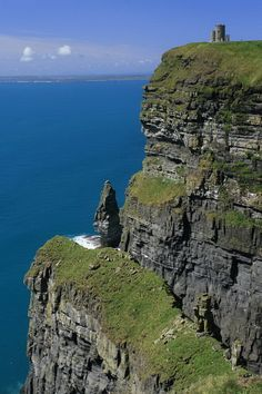 Green, gray and blue - Cliffs of Moher, County Clare, Republic of Ireland; copyright: Sven Bergner-long to see the cliffs-must DO NEXT TRIP! Ireland Vacation, Ireland Travel, Erin Ireland, Clare Ireland, Places To Travel, Places To See, Places Around The World, Around The Worlds, County Clare