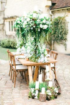 Romantic Wedding Inspiration at Le Manoir | Photo by Sanshine Photography, Styling by Goose & Berry Weddings