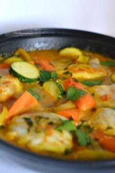 Tagine fish with vegetables - The delicacies of Lea - Cécile Robert Seafood Recipes, Vegan Recipes, Cooking Recipes, Fish Tagine, Exotic Food, Fish Dishes, Cooking Time, Food Inspiration, Love Food