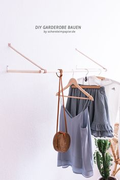 Wood DIY Project: Clothes Rail / Wardrobe Homemade Instructions at schereleimpapierde The post Build a wardrobe yourself – the filigree solution for the wall appeared first on Garden ideas - Upcycled Home Decor Diy Kitchen Projects, Diy Kitchen Decor, Diy Wood Projects, Kitchen Furniture, Diy Furniture, Build Your Own Wardrobe, Diy Wardrobe, Armoires Diy, Diy Kleidung Upcycling