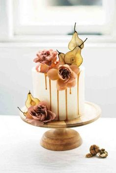 fall wedding cakes small white with orchids and pear katie grant photo wedding cupcakes 36 Fall Wedding Cakes That WOW Fall Wedding Cupcakes, Autumn Wedding Cakes, Fruit Wedding Cake, Wedding Cake Prices, Small Wedding Cakes, Beautiful Wedding Cakes, Gorgeous Cakes, Pretty Cakes, Orchid Wedding Cake