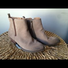 """Selling this """"Nine West suede ankle boots western 7 1/2"""" in my Poshmark closet! My username is: thattlindsay. #shopmycloset #poshmark #fashion #shopping #style #forsale #Nine West #Boots"""