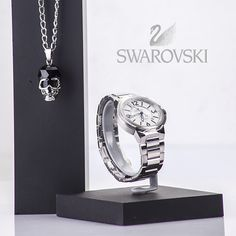 Swarovski Reloj automático en acero, elaborado en acero 316l quirúrgico , con maquinaria suiza y cristal de zafiro, hace parte de la nueva colección ideal para papá , cuenta con 2 años de grantia.