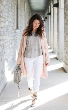 perfect outfit for spring: pink jacket, gray heels and white denim