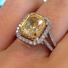 Engagement Rings 2017 Fancy Yellow Radiant Halo