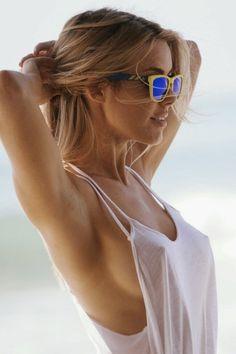 Cute Girl Pic, Girls With Glasses, Trending Topics, Monokini, Women Swimsuits, Mirrored Sunglasses, How To Look Better, Women Wear, Female
