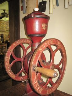 Antique coffee grinder - knowyourgrinder.com #coffee #coffeegrinder #vintagegrinders #antiquegrinders