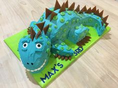 Dinosaur cake, butter cream