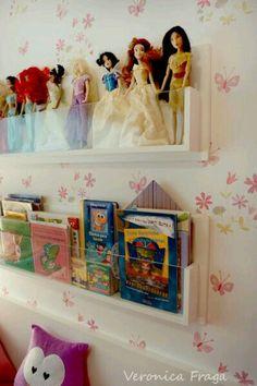 Repisas con vidrio para libros y juguetes