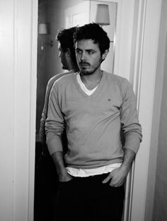 Casey Affleck... Guess who's brother?... Yeah, great actor Ben is, but a bit overrated! Think Casey looks better! :)