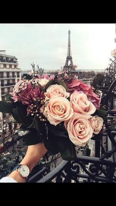 27 Ideas Flowers Photography Nature Travel For 2019 - Bridesmaids Infinity Dress Wrap Dress Flower Girls Dress - Blumen Paris Wallpaper, Trendy Wallpaper, Special Wallpaper, Wallpaper Ideas, Flower Aesthetic, Purple Aesthetic, Jolie Photo, Pretty Pictures, Flower Pictures
