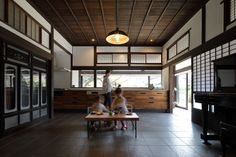 Modern Japanese Interior, Living Room Designs, Living Spaces, Prairie House, Natural Interior, Japanese Architecture, Japanese House, Cool Rooms, Model Homes