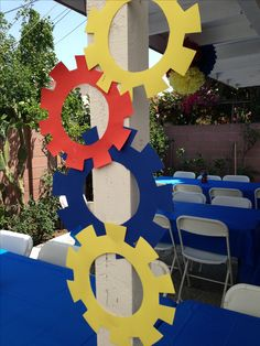 Sprockets could be painted silver/gold robot parts 5th Birthday Party Ideas, Birthday Fun, Birthday Decorations, Transformer Party, Rescue Bots Birthday, Transformers Birthday Parties, Festa Party, Robot Theme, Robot Parts