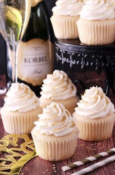 Champagne Cupcakes with Champagne Icing (These cupcakes are super moist & full of champagne flavor!) l Life Love & Sugar