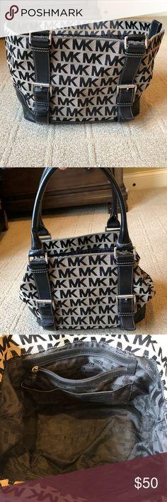 Michael Kors large purse / shoulder bag / tote Michael Kors canvas purse / tote / shoulder bag  ▪️large shoulder bag / tote ▪️leather straps  ▪️silver hardware  ▪️great condition / minimal wear Michael Kors Bags Totes