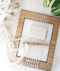 The small size loom is that perfect size that fits in your bag for on the go weaving 😉