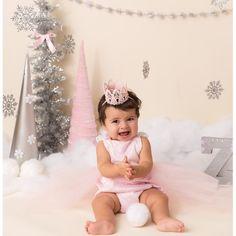 home party ideas Birthday Party Outfits, Birthday Photos, Birthday Ideas, Winter Wonderland Cake, Princess Photo, Photoshoot Themes, Girl First Birthday, Happy Birthday, Cake Smash Outfit