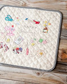 Happy sewing day! 🧵✂️ 🤗 #minkikim #sewingillustration #happysewing2019 #applique #quilted Sewing Art, Needle And Thread, Applique, Symbols, Embroidery, Quilts, Illustration, Happy, Instagram