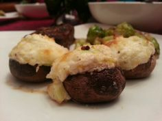 MUSHROOMS http://imperfectlife.net/low-carb-ketogenic-stuffed-mushrooms/