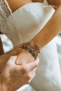 #jewellery #bling #bracelets #weddingideas #wedding #bride #accessories #inspiration #mangostudios Photography by Mango Studios