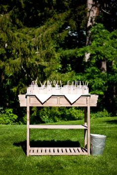 Such a classy drink stand don'tya think?! {Hendrickson Photography Weddings}