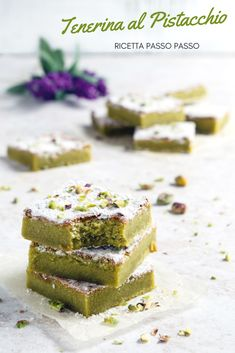 Pistachio cheese- Tenerina al pistacchio TENERINA AL PISTACCHIO A super tasty version of the classic cake from Ferrara. Recipe with step by step procedure with photos! No Bake Desserts, Delicious Desserts, Dessert Recipes, Dessert Packaging, Good Food, Yummy Food, Biscotti, Sweet Cakes, Sweet Recipes