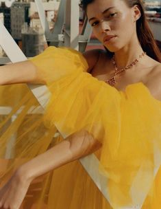 Danielle Lashley for Vogue Spain May 2019 Subtractive Color, Next London, Editorial, Le Management, Vogue Spain, Yellow Fashion, Mellow Yellow, Carolina Herrera, Color Theory
