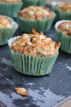 Suikervrije Muffins met Ananas - Blij Suikervrij Yummy Healthy Snacks, Healthy Muffins, Healthy Baking, Yummy Food, Healthy Food, Healthy Recipes, Sugar Free Cupcakes, Sugar Free Desserts, Breakfast Recipes