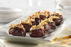 Sweet, salty and completely delish, these party-perfect appetizers prep in just 15 minutes—leaving you more time to mingle and overhear exclamations. Kraft Foods, Kraft Recipes, Healthy Dessert Recipes, Snack Recipes, Desserts, Recipes Dinner, Dinner Ideas, No Cook Appetizers, Appetizer Recipes