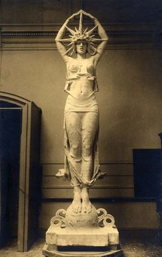 The Star (sculpture used for the SF Pan American Exposition) Alexander Stirling Calder Audrey Munson, Star Goddess, Wow Art, Ancient Art, Oeuvre D'art, Sculpture Art, Art Nouveau, Sculpting, Concept Art