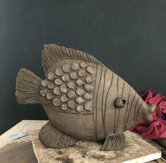 Pottery Animals, Ceramic Animals, Clay Animals, Ceramic Art, Clay Wall Art, Clay Art, Pottery Sculpture, Sculpture Clay, How To Make Ceramic