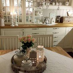 Buon pomeriggio…  per la serie Nordic Shabby Style…vi lascio alcune immagini della zona giorno della casa di Inge … fantasticaaaaaa...
