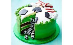 Le Gâteau des Footballeurs de #touslesheros avec des petites surprises à retrouver sur www.tous-les-heros.com #recette #activité #enfants #football #fff #foot #fun