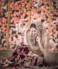 Bridal Mehndi Dresses, Bridal Dress Design, Pakistani Bridal Dresses, Pakistani Wedding Dresses, Wedding Dresses For Girls, Bridal Outfits, Bridal Lehenga, Wedding Party Dresses, Bridal Style