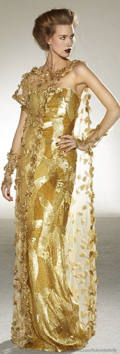 Georges Chakra Couture | F/W 2013 / Parece griego, me gusta.