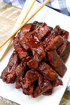 These Chinese Boneless Spare Ribs are such an easy dinner recipe, faster than ordering take out! These Chinese Boneless Spare Ribs are such an easy dinner recipe, faster than ordering take out! Homemade Chinese Food, Chinese Chicken Recipes, Easy Chinese Recipes, Easy Dinner Recipes, Easy Meals, Korean Chicken, Korean Beef, Authentic Chinese Recipes, Authentic Chinese Spare Ribs Recipe