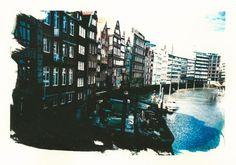 'Hamburg+Deichstrasse+von+der+Rückseite+aufgenommen'+von+liga-visuell+bei+artflakes.com+als+Poster+oder+Kunstdruck+$17.33