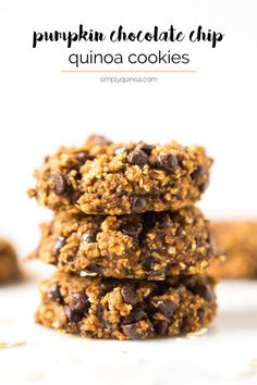 4 Points About Vintage And Standard Elizabethan Cooking Recipes! Pumpkin Chocolate Chip Cookies - Made Healthy Without Any Oil, Butter, Gluten, Eggs Or Refined Sugar Quinoa Cookies, Healthy Cookies, Healthy Sweets, Healthy Snacks, Healthy Recipes, Protein Recipes, Protein Foods, High Protein, Vegetarian Recipes