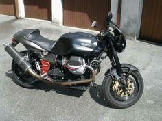V11 Sport Naked