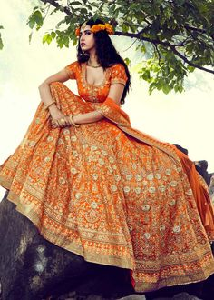 Best shop to buy bridal lehenga choli, indian wedding dresses for womens, marriage dress, engagement dresses and bridal wear online in India. At KARAGIRI has wide collection of customized bridal wear to choose and order at best price. Bridal Lehenga Online, Designer Bridal Lehenga, Indian Bridal Lehenga, Designer Lehanga, Indian Bridal Outfits, Indian Bridal Wear, Indian Dresses, Indian Skirt, Saris