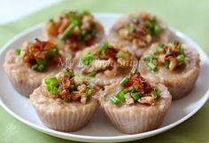 My Kitchen Snippets: Steamed Savory Yam (Taro) Cake/Orr Kueh