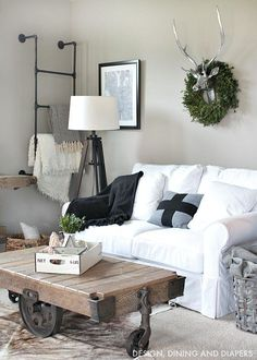 A nordic Christmas Tour - black and white with pops of green