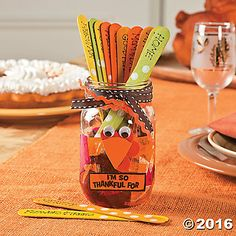 It's time to celebrate Thanksgiving with these cute and easy crafts for kids. Thanksgiving food crafts, Thanksgiving kid's crafts, Thanksgiving craft decorations and more! Thanksgiving Food Crafts, Thanksgiving Tree, Fall Crafts, Halloween Crafts, Holiday Crafts, Holiday Fun, Thanksgiving Decorations, Holiday Ideas, Kindergarten Thanksgiving