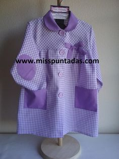 Mandilón vichy lila. www.misspuntadas.com Textiles, Rain Jacket, Windbreaker, Jackets, Fashion, Elbow Patches, Pinafore Dress, Aprons, Stitching