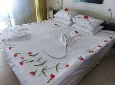 Club Med Kani - mantas Maldives, Bedding, Towel, Club, Diy, Furniture, Ideas, Home Decor, Towels